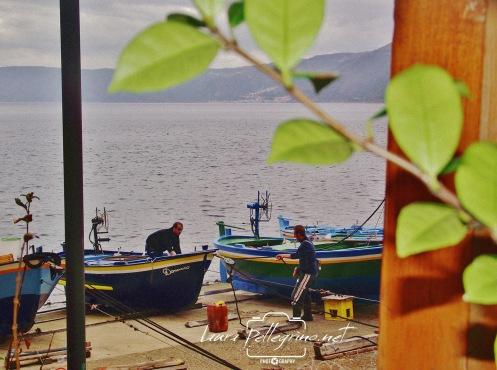pescatori_trainano_barca_Scilla