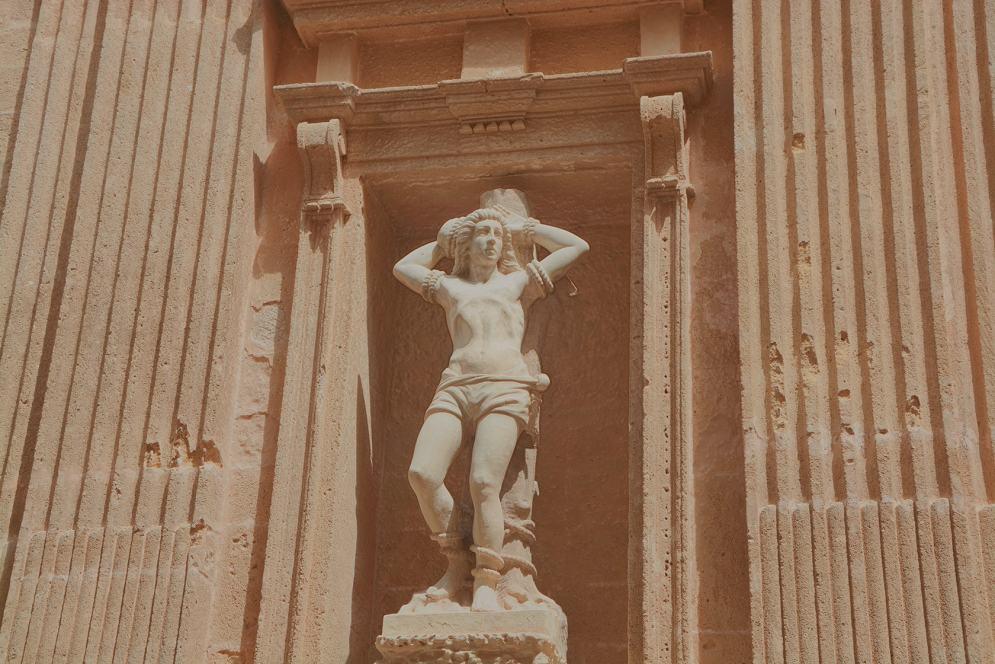 statua-min