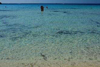 acquacristallina_spiaggiadeiconigli_lampedusa
