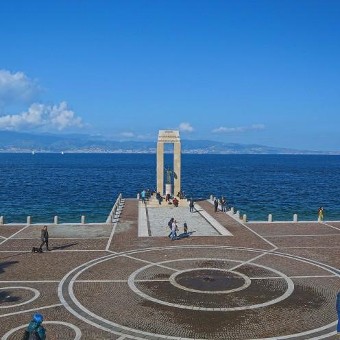 anfoteatro_anassilaos_reggiocalabria_athena_monumento